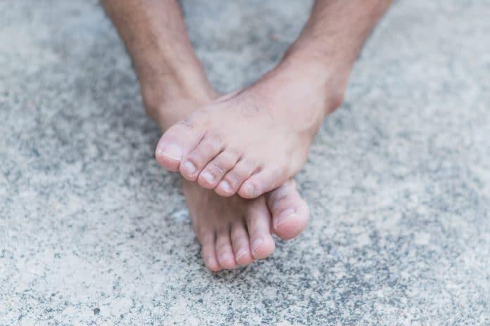 5 problèmes courants aux pieds