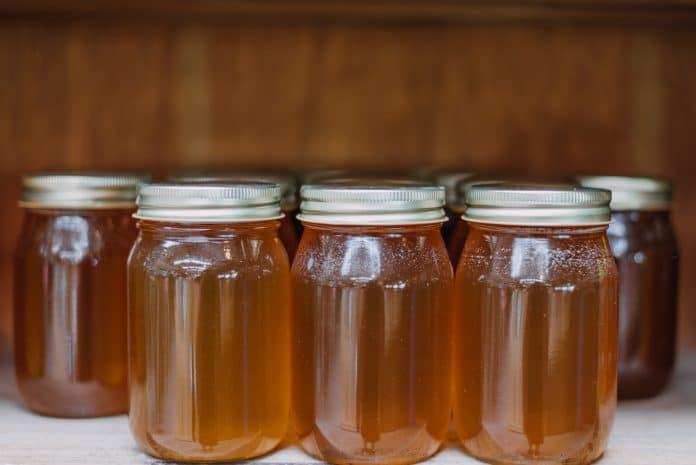 Comment mettre son miel en pot ?