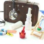 Que mettre dans une trousse à pharmacie de voyage?