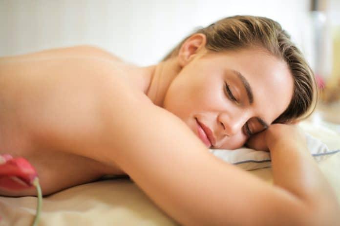 Le massage naturiste : une nouvelle tendance bien-être ?